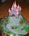 Fairy tale castle cake by Shoshannah84