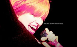 Hayley williams live by MurderxAlemania