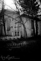 Abandoned Building 2 bw by creynolds25