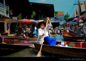 Damnernsaduak Floating Market by LittleJean