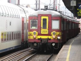 Brussels S 290613 EMU 63 233 on L6562 by kanyiko
