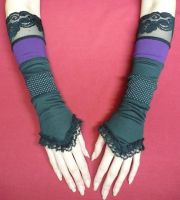 Gothic Gloves, black purple by Estylissimo