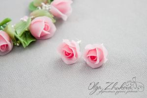 earrings with roses from polymer clay by polyflowers