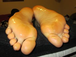 Witches get tickles 6 oiled soles by boosters