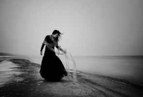 Seaside mourning II by artofinvi