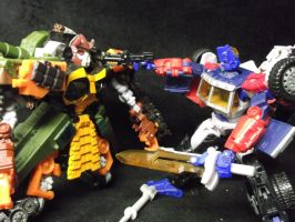 G2 Optimus Prime finishes off Pretender Bludgeon! by forever-at-peace