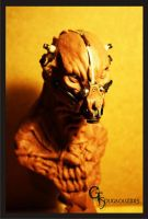 alien bust sculpted with monster clay by giolord11