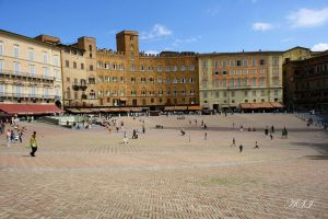 Piazza del campo by Sphongled