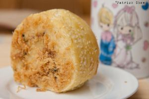 Pork floss bun by patchow
