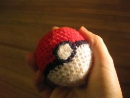 Pokeball by Twinsmanns