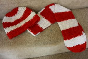 red and white hat and scarf combo by LilithsSmile