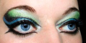 Green and blue eyeshadow by Creativemakeup