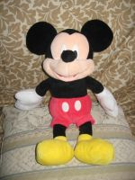 Mickey Mouse Jumbo Plush by Gamekirby