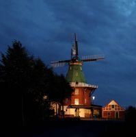 Wind Mill II by MichiLauke