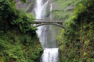 Multnomah Falls by Kimicat1