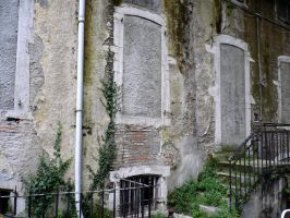 abandoned house in Pau 1 by Aude-la-randonneuse