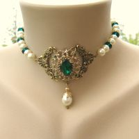 Green and White Royal Tudor Choker by shambleramble