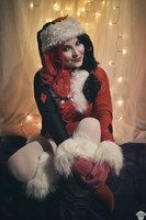 Harley Quinn (Christmas version) 10 by ThePuddins