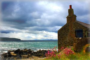 Fisherman's house by roxiannie