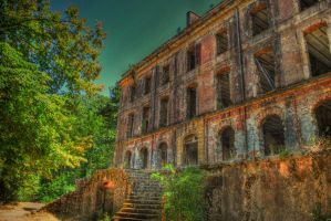 Abandoned house HDR by Swaal