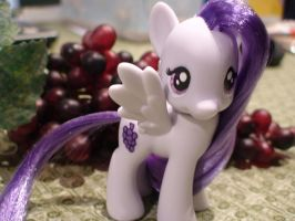 Blind-bag Turned Brushable Sugar Grape by Vampasaurus
