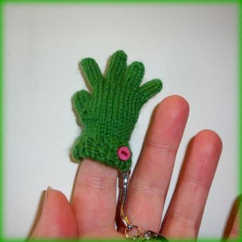 Tiny Glove Keyring by Milliebead