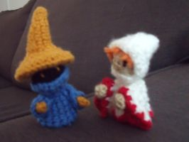 Black and White mages - amigurumi by ninjapoupon