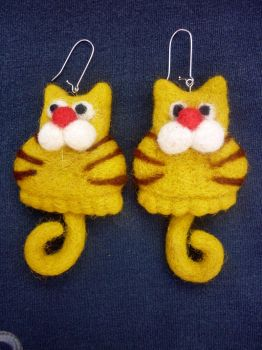 The Yellow Cat earrings by Woolydesigns