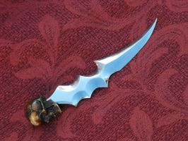 skull punch blade with bone skull by Licataknives