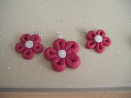 Red flower charms by MadeByJanine