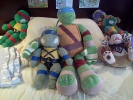 TMNT: New plushie by Fulcrumisthebomb