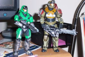 Green Spartan and Jorge-052 by SoundwaveSuperior