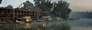Foggy Dawn At Echuca Wharf by djzontheball