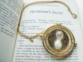 Hemione's secret TIMETURNER! by alicecorley