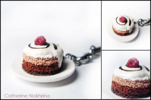 Cake charm by CinnamonFlavour