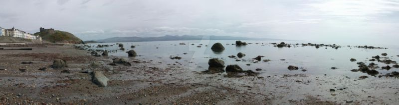 Criccieth Panorama by purplepolarbear