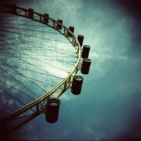Singapore Flyer by lomoloveshack