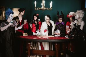 Disney Villains - Queen of Hearts by busanpanda