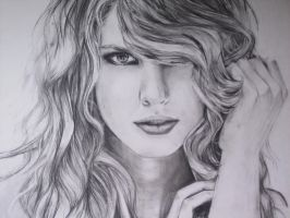 Taylor Swift by kaylahoulihan