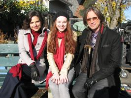 Lana Parilla, a fan, and Robert Carlyle by LightninBluEyes