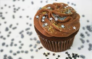 Galaxy Caramel Cupcake by FightTheAssimilation