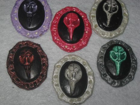 Raven Skull Cameos by WillowForrestall