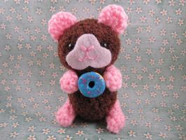 Guinea Pig with clay doughnut by AmiTownCreatures