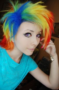 Rainbow Dash by Helen-Stifler