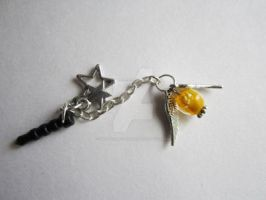 Harry Potter Golden Snitch Phone Charm by MammaShaClothing