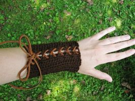 Crocheted Brown Elven Bracers by merigreenleaf