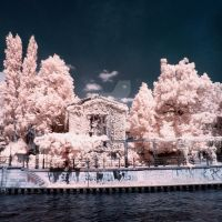 Spreeufer Berlin infrared by MichiLauke
