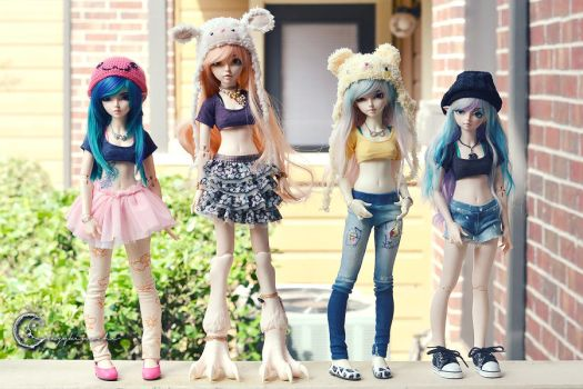 Crop-Top Clique by tinaheart