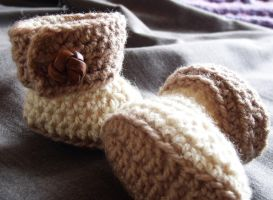 crochet ugg boots by Craftcove