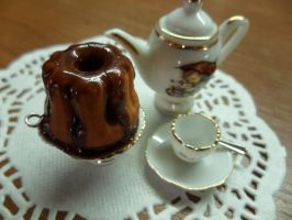 Round Cake with Chocolate by Eminentia